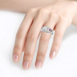 Jeulia Vintage Round Cut Heart Sterling Silver Skull Ring