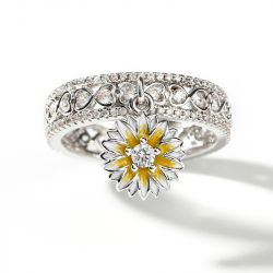 "Jeulia ""Fresh Daisy"" Twist Round Cut Sterling Silver Ring"