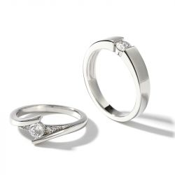 "Jeulia ""Lovers' Beauty"" Round Cut Sterling Silver Couple Rings"